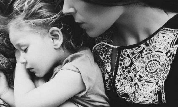 «Αγαπητά μου παιδιά, όταν καταρρέω και αποτυγχάνω, δεν φταίτε εσείς» - H εξομολόγηση μιας μητέρας