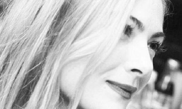 Δέσποινα Καμπούρη: Λιώσαμε με το φιλί της στη μεγάλη της κόρη (φωτογραφία)