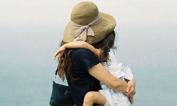 5 πράγματα που λένε οι άλλοι για το παιδί σας και σας ενοχλούν πολύ