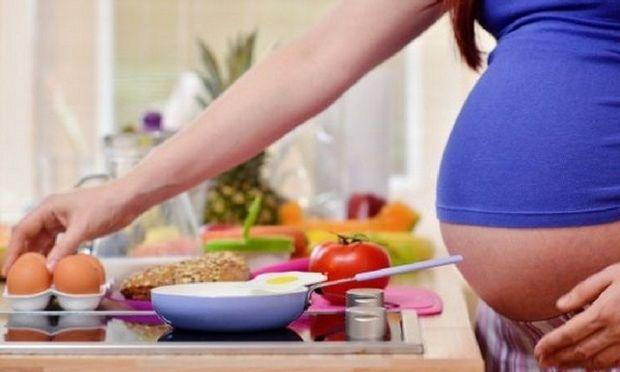 Ειδικές δίαιτες στην εγκυμοσύνη: Τι πρέπει να γνωρίζετε