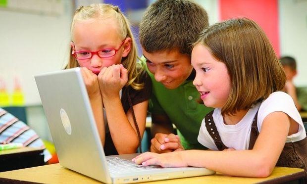 Μαθητές στη Σουηδία θα μαθαίνουν από την Α' Δημοτικού να διαχωρίζουν τις αξιόπιστες από τις αναξιόπιστες ειδήσεις!