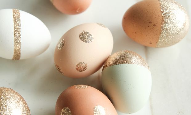 Πασχαλινή κατασκευή: Φτιάξτε διακοσμητικά αβγά με χρυσόσκονη