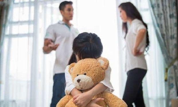 «Ναι, ο σύζυγός μου κι εγώ τσακωνόμαστε μπροστά στα παιδιά, δεν είμαστε τέλειοι»
