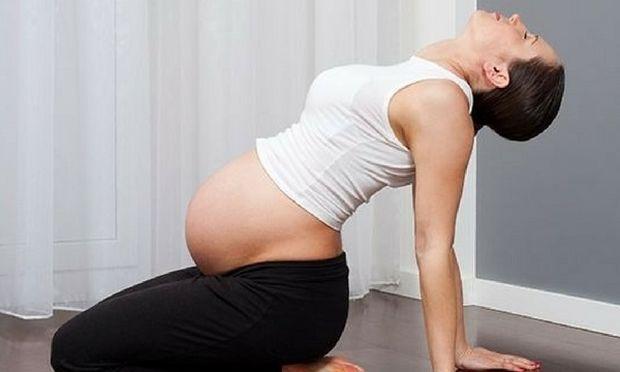 Απλές ασκήσεις για να ανακουφιστείτε από τους πόνους κατά τη διάρκεια της εγκυμοσύνης