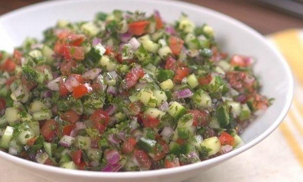 Δροσερή μεσογειακή σαλάτα-Γρήγορη και υγιεινή