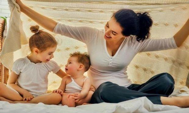 3 πράγματα που οι μαμάδες που μεγαλώνουν μόνες τους παιδιά, ξεχνούν να κάνουν!