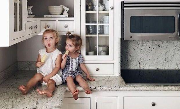 Τι να προσέχετε όταν έχετε το μωρό μαζί σας στην κουζίνα