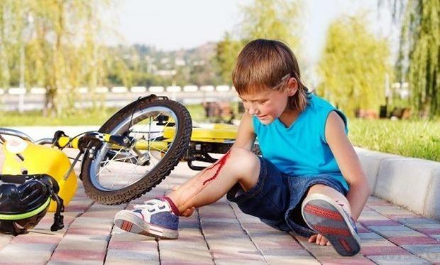 Τι δεν πρέπει να κάνουμε σε παιδικά τραύματα που αιμορραγούν