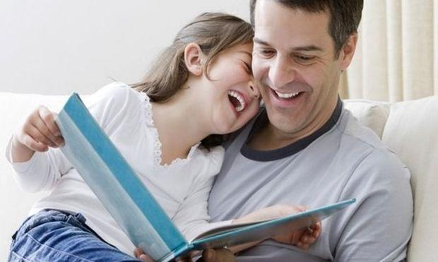 7 διακριτικοί τρόποι να ενθαρρύνετε τα παιδιά σας να διαβάσουν