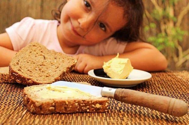 Τελικά τι είναι καλύτερο για τα παιδάκια μας, το βούτυρο ή η μαργαρίνη;