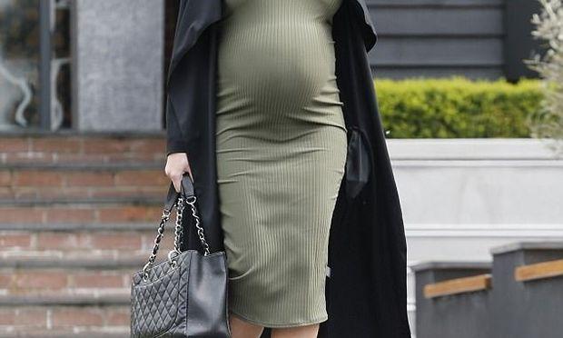 Ετοιμάζεται να καλωσορίσει το πρώτο της μωρό από μέρα σε μέρα