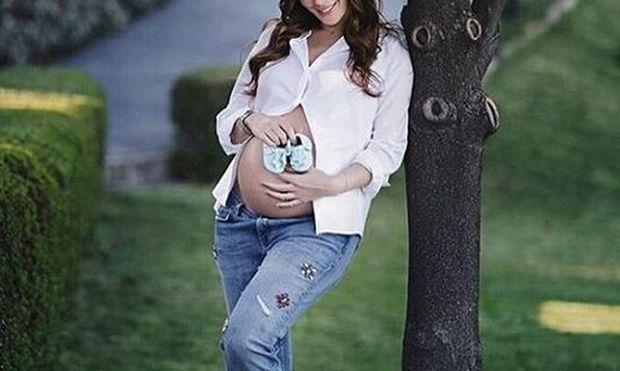 Γεννάει από στιγμή σε στιγμή και δεν ήξερε κανείς για την εγκυμοσύνη της. Είναι η…