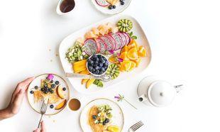 Δίαιτα μετά τον τοκετό: 15 must-have φαγητά για τις νέες μανούλες