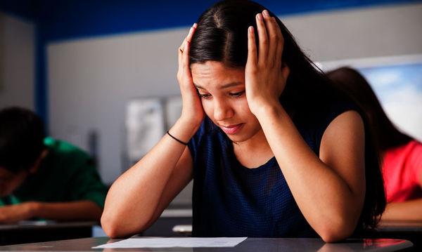 «Άγχος εξετάσεων... Πώς μπορούν να βοηθήσουν οι γονείς;»