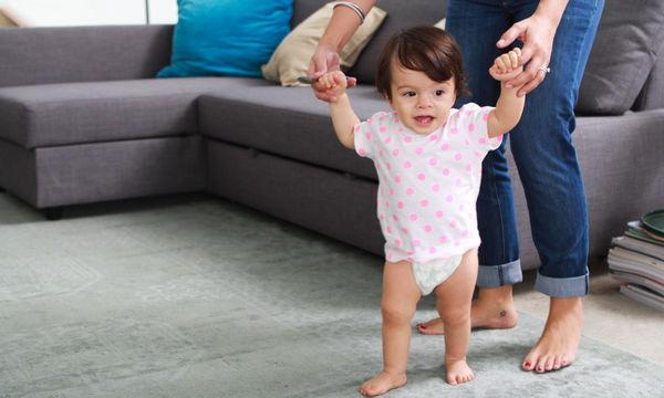 4 θέματα που πρέπει να γνωρίζετε όταν το παιδί σας μαθαίνει να περπατά