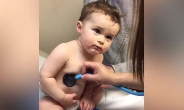 Check up στον παιδίατρο: Η αντίδραση του αγοριού μοναδική!
