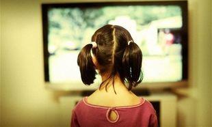 'Οσα ΔΕΝ κάνουν τα παιδιά όταν παρακολουθούν τηλεόραση