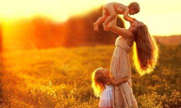 Οι υπερδυνάμεις μιας μαμάς - Γιατί δεν πρέπει να τις υποτιμάμε