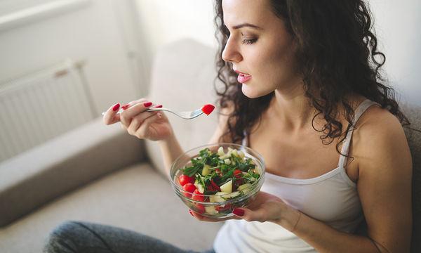 Διατροφή στην εγκυμοσύνη: Ποιες τροφές περιέχουν φυλλικό οξύ και πόσο