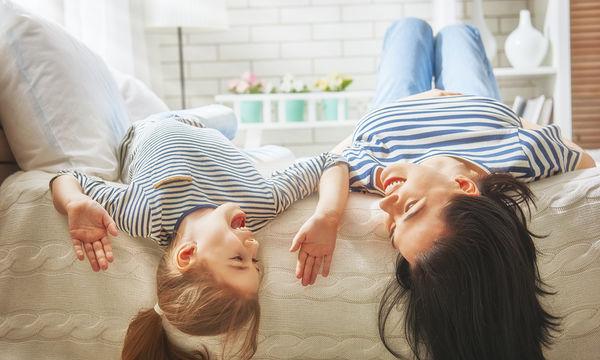 Υπάρχουν τέσσερις τρόποι για να γίνεις μια ευχάριστη και διασκεδαστική μαμά