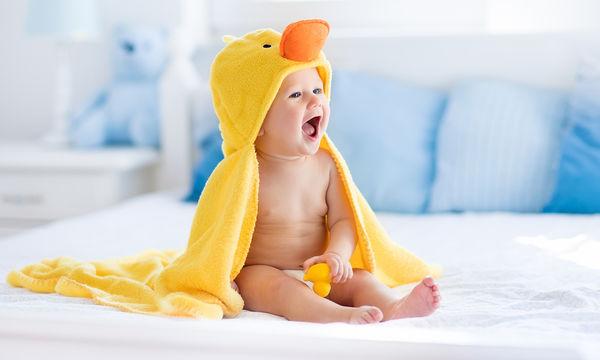 Πώς να βοηθήσετε το μωρό σας να μάθει να κάθεται