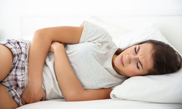 Έντoνοι πόνοι περιόδου: Πώς να τους αντιμετωπίσετε