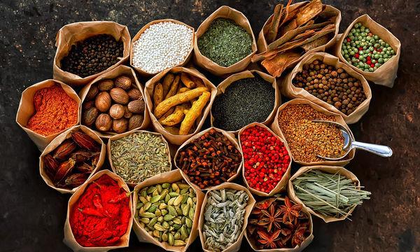 Δέκα κορυφαία βότανα που βοηθούν στην απώλεια βάρους