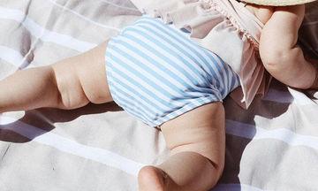 Τι πρέπει να περιέχει η τσάντα των διακοπών μιας νέας μαμάς