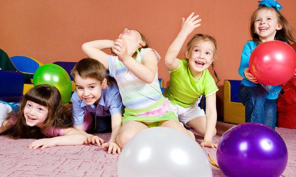 Γιατί χρειάζεστε μπαλόνια για την επόμενη φορά που θα ταξιδέψετε με τα παιδιά σας