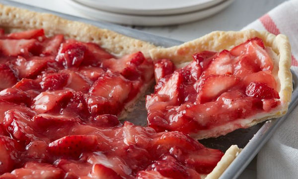 Καλοκαιρινή πίτα φράουλας
