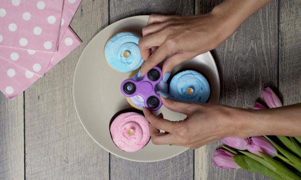 Μετατρέψτε τα fidget spinners στα ωραιότερα διακοσμητικά για τα γλυκά σας (vid)