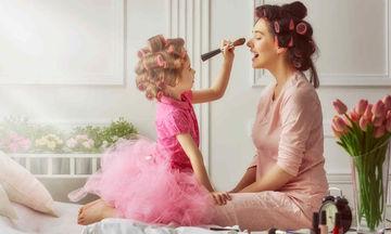 Δέκα σκίτσα που δείχνουν την ευτυχία να είσαι μαμά μιας κόρης