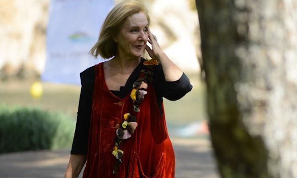 H Κάρμεν Ρουγγέρη και ο «Μαγικός Αυλός» επισκέπτονται τη Λίμνη Βουλιαγμένης