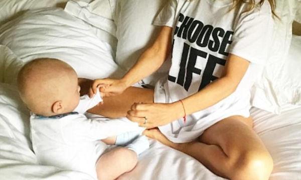 """""""Η κόρη μου με ικέτευσε να μην τα παρατήσω"""" αποκαλύπτει η 44χρονη μαμά για τη δεύτερη εγκυμοσύνη της"""