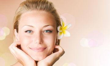 Μικρές συμβουλές για να μη γυαλίζει το πρόσωπό σας