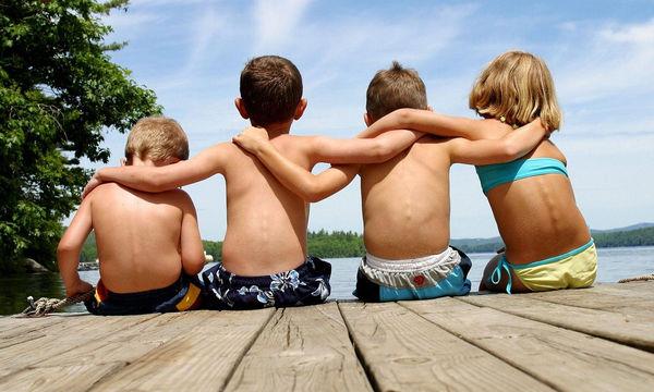 Γιατί οι γονείς δεν παίρνουν πάντα σοβαρά τις φιλίες των μικρών παιδιών;