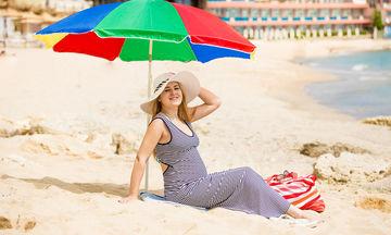 Αυτοί είναι οι 5 λόγοι για τους οποίους μια εγκυμοσύνη δεν είναι εύκολη το καλοκαίρι