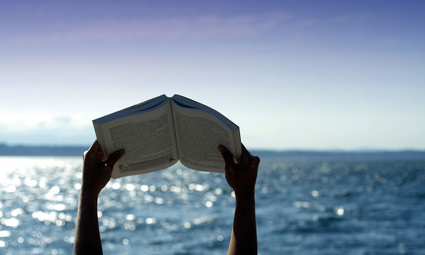 Πέντε βιβλία για το καλοκαίρι!