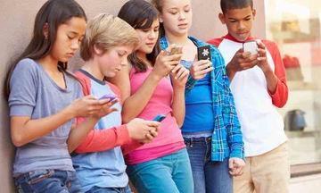 Η χρήση κινητού τηλεφώνου από παιδιά, υπερδιπλασιάζει τον κίνδυνο να κολλήσουν ψείρες!
