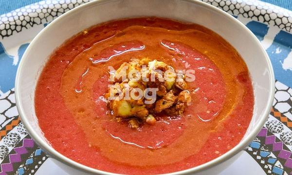 Καλοκαιρινή, κρύα σούπα ντομάτας με μπισκότο φέτας  από τον Γιώργο Γεράρδο
