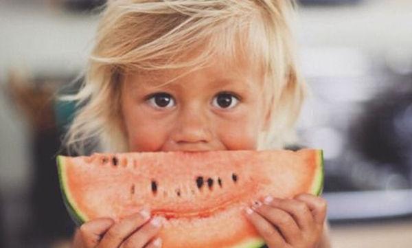 Καλοκαιρινά φρούτα: Ένας «θησαυρός» για την υγεία των παιδιών
