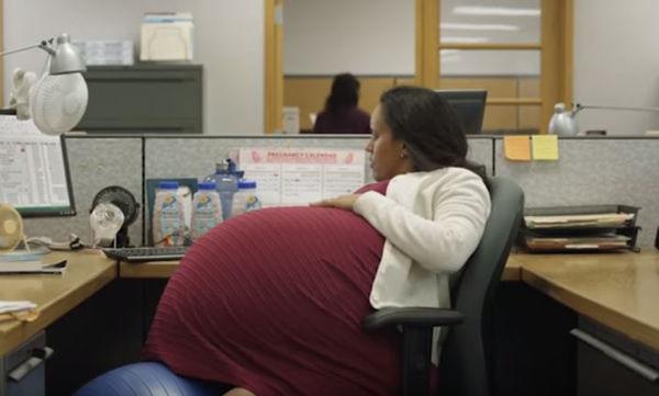 Ο λόγος που αυτή η γυναίκα αποφάσισε να κυοφορήσει για 260 εβδομάδες (vid)