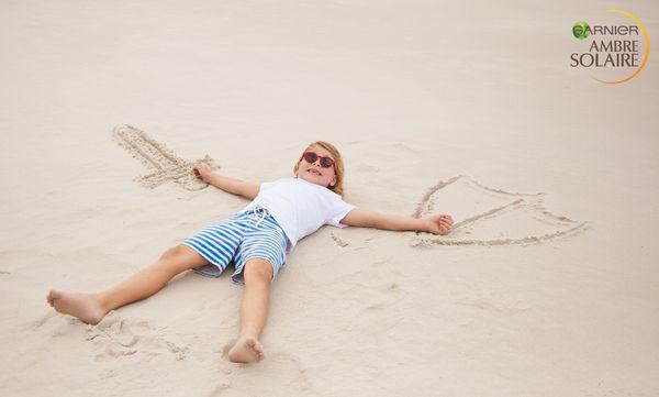 Παιδιά στην παραλία: Πώς θα κάνετε την προστασία τους… παιχνιδάκι!