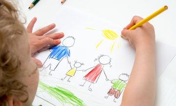 Πώς να διατηρήσετε «ζωντανές» τις ζωγραφιές των παιδιών σας