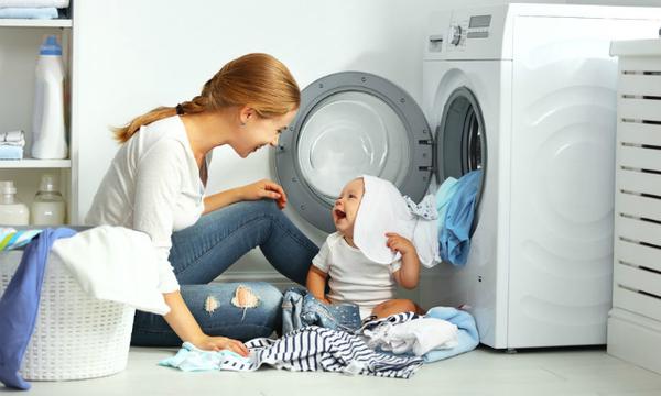Πώς πλένουμε σωστά τα παιδικά ρουχαλάκια;