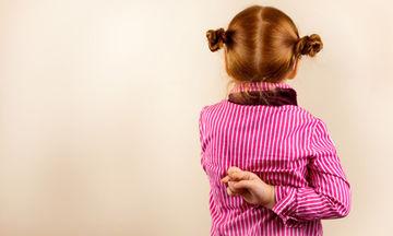 Τι κάνετε όταν τα ψέματα των παιδιών παύουν να είναι αθώα και γίνονται πρόβλημα
