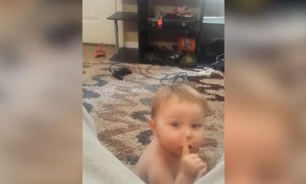 Όταν ο μπαμπάς γίνεται ενοχλητικός, το μωρό αντιδρά (vid)