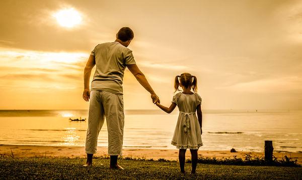Πώς η σχέση πατέρα – κόρης επιδρά ευεργετικά στην υγεία της