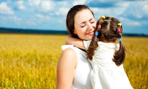 Αυτά είναι τα 7 μικρά πράγματα που έχουν ανάγκη τα παιδιά για να επιβεβαιώσουν την αγάπη σας