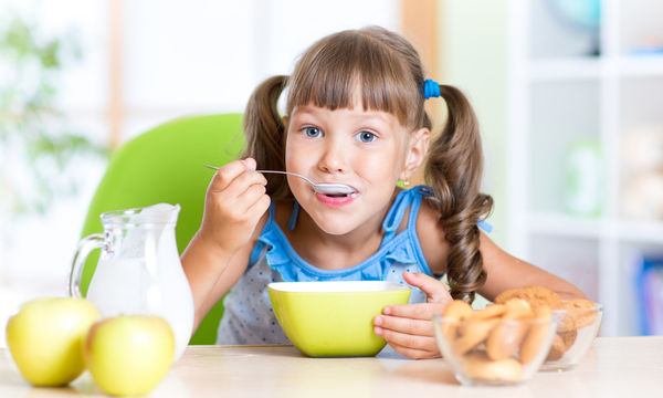 Γιατί τα παιδιά δεν πρέπει να παραλείπουν το πρωινό - Από τι κινδυνεύουν